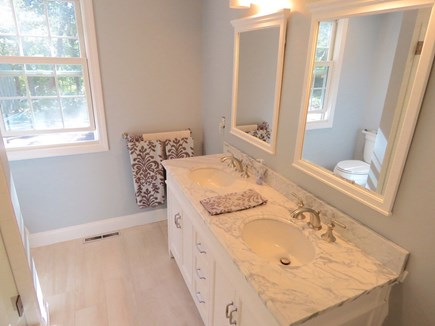 Brewster Cape Cod vacation rental - Full bath, main level
