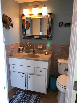West Yarmouth Cape Cod vacation rental - Nice Update Bath