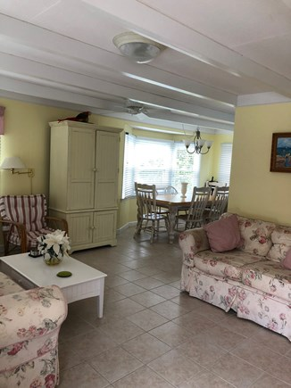 Mashpee, Popponesset Beach Cape Cod vacation rental - Family room with comfy couches