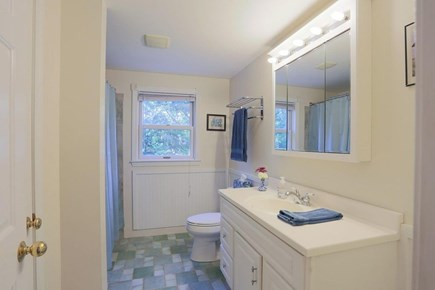 Wellfleet Cape Cod vacation rental - Upstairs full Bathroom.
