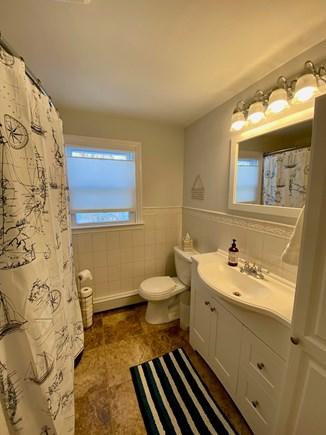 Barnstable, Hyannis Cape Cod vacation rental - Bathroom