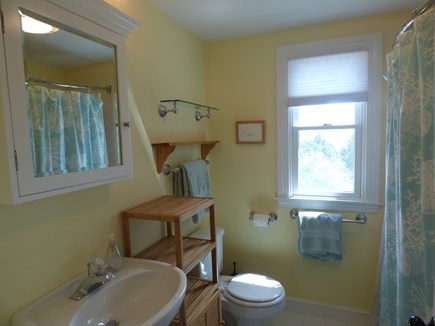 South Orleans on Pleasant Bay Cape Cod vacation rental - Main House 2nd Floor Full Bath
