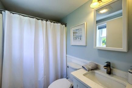 Sandwich, Town Neck Cape Cod vacation rental - Full Bath on main level