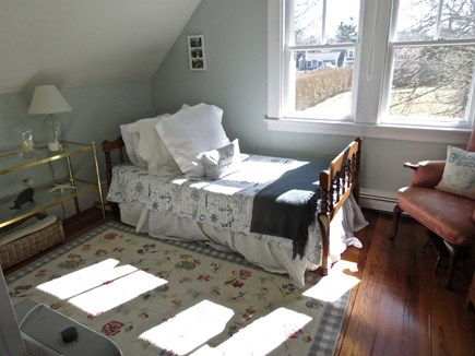 Chatham Cape Cod vacation rental - Bedroom with twin and pull-out trundle under