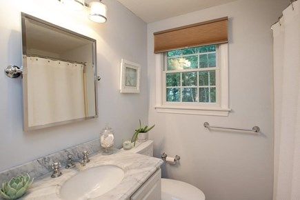 Osterville Woods, Osterville Osterville vacation rental - Downstairs Full Family Bathroom with Bathtub/Shower