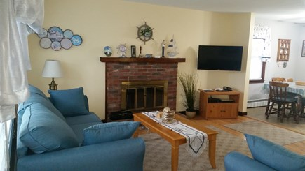 Falmouth, Teaticket Cape Cod vacation rental - Living Room