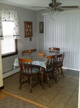 Falmouth, Teaticket Cape Cod vacation rental - Dining area