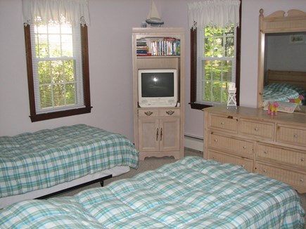 Falmouth, Teaticket Cape Cod vacation rental - Bedroom 1-downstairs