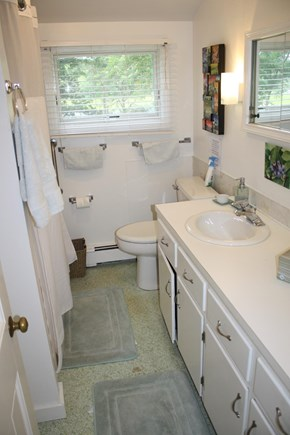 South Dennis Cape Cod vacation rental - Bathroom
