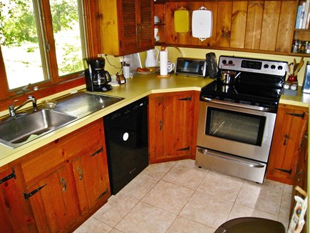Brewster Cape Cod vacation rental - New fridge w/ icemaker, dishwasher, stove, microwave.