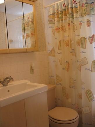 Near Hyannis Port Cape Cod vacation rental - Full bathroom