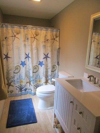 Wellfleet, Eastham Cape Cod vacation rental - Bathroom