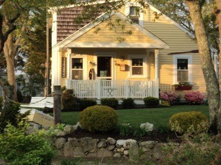 Pocasset Pocasset vacation rental - Adorable cottage with quiet beach access at end of driveway.
