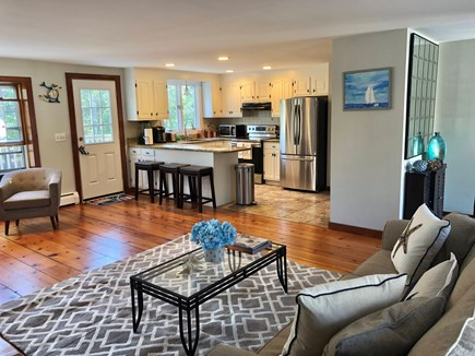 Cotuit Cotuit vacation rental - Living room/kitchen area