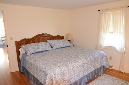 Yarmouth Port Cape Cod vacation rental - King master with new linens and mattress