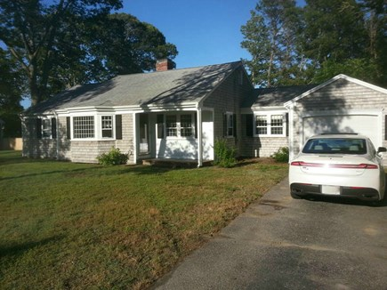 Yarmouth Port Cape Cod vacation rental - Plenty of off street parking in driveway