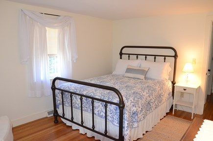 Yarmouth Port Cape Cod vacation rental - New Pottery Barn Queen bed a new comfortable mattress