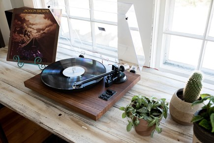 Duxbury MA vacation rental - Throw it back with the record player!