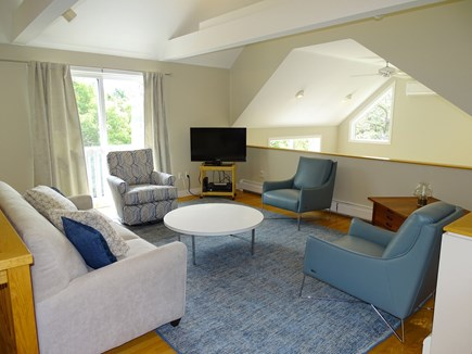 Wellfleet, Indian Neck Cape Cod vacation rental - Bright loft- great for watching the ballgame or reading