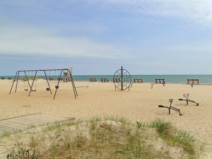 Yarmouth, Cottage is just of of Route 28 Cape Cod vacation rental - Beautiful Parkers River Beach just 7/10 mile away!