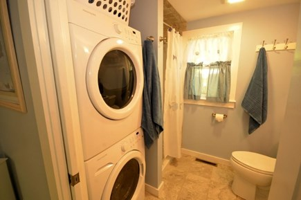 Yarmouth, Cottage is just of of Route 28 Cape Cod vacation rental - Washer/Dryer