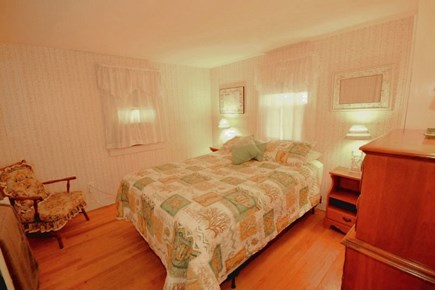 Yarmouth, Cottage is just of of Route 28 Cape Cod vacation rental - Master bedroom with queen bed