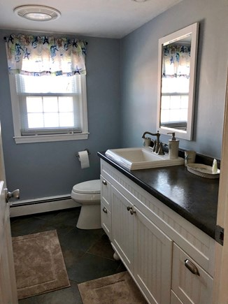 South Yarmouth Cape Cod vacation rental - Upstairs Bathroom