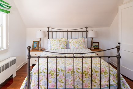 South Chatham Cape Cod vacation rental - 2nd Floor - Queen Bedroom