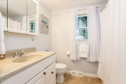 South Yarmouth Cape Cod vacation rental - Tub and shower