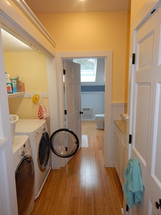FALMOUTH Cape Cod vacation rental - Full laundry