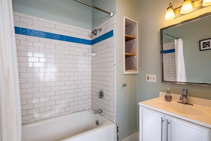 Provincetown Cape Cod vacation rental - Main level full bath with tub/shower combo