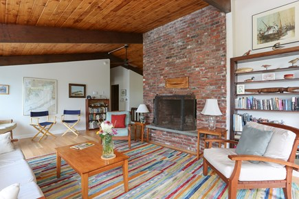 Pocasset, Monument Beach Pocasset vacation rental - The bright and open living room can seat 10 comfortably.