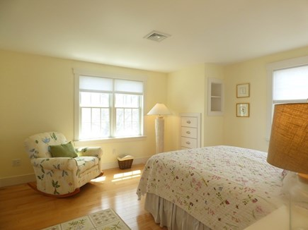 Chatham, .8 to Center Cape Cod vacation rental - 2nd Floor Queen Bedroom