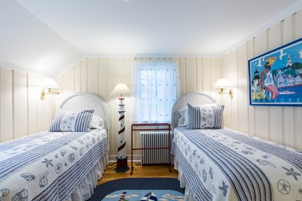 Hyannis Cape Cod vacation rental - Nantucket room, twin beds, first floor, shared bath w/Hyannis rm
