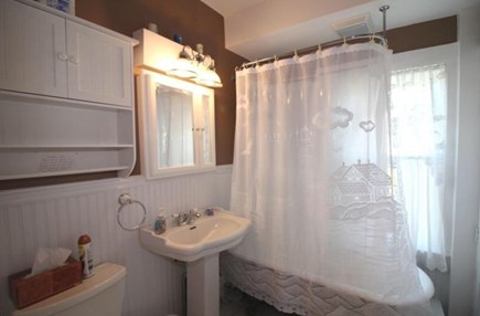 Wellfleet Cape Cod vacation rental - Nautical style bathroom