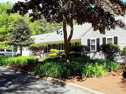 Cotuit, Barnstable Cotuit vacation rental - Front of Home