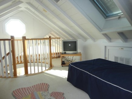 Hyannis, Kalmus Beach Cape Cod vacation rental - Loft bedroom
