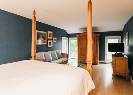 Brewster Cape Cod vacation rental - Large queen room with sitting area