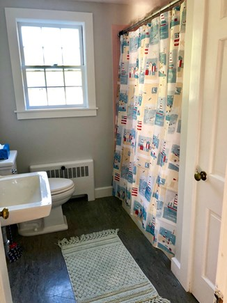 Cotuit Cotuit vacation rental - Downstairs Bathroom - Shower and tub available