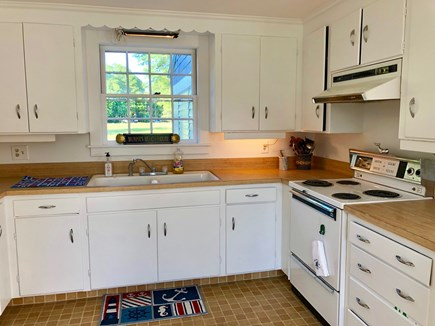 Cotuit Cotuit vacation rental - Kitchen - Fully functional stove, burners and many appliances