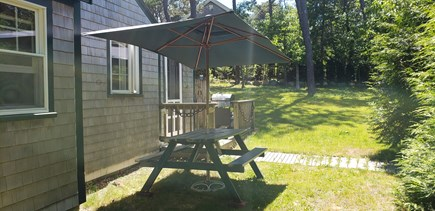 Wellfleet, Pleasant Point Cape Cod vacation rental - Picnic table and umbrella