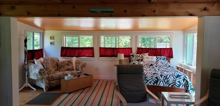 Wellfleet, Pleasant Point Cape Cod vacation rental - Sunroom with double bed and cozy couch for lounging