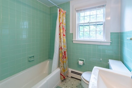 Chatham Cape Cod vacation rental - Full Bath with Tub/Shower combo