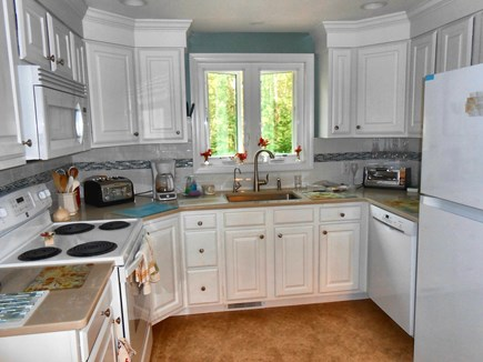 Dennis, Harwich Cape Cod vacation rental - Updated kitchen,  new appliances, quartz counter & filtered H2o