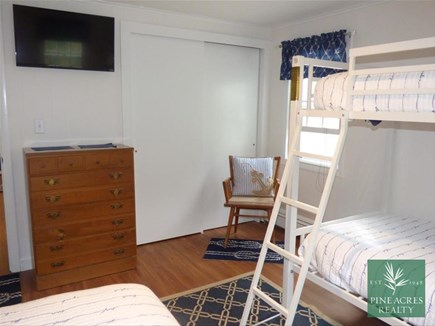 Chatham Cape Cod vacation rental - Great Kid's Bedroom with TV!