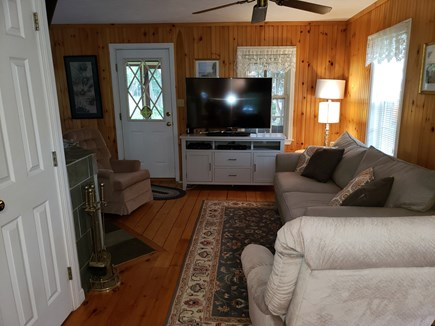 Plymouth, White Horse Beach, Manomet MA vacation rental - TV and cable for a rainy afternoon's entertainment