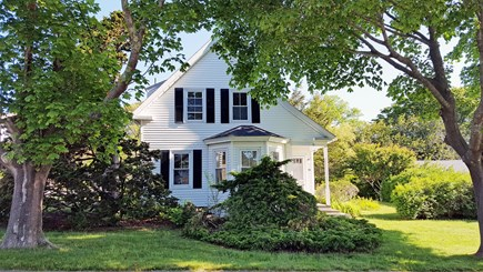 Hyannis Port Cape Cod vacation rental - Exterior of home