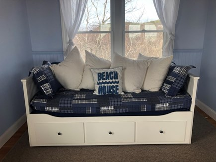 Truro Cape Cod vacation rental - King Size Day Bed