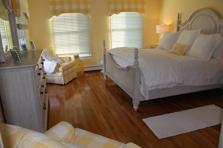 North Chatham Cape Cod vacation rental - First floor master suite with full bath