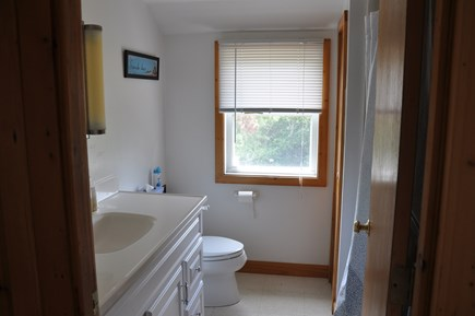 Cataumet, Bourne Cataumet vacation rental - 2nd floor bathroom with full tub and shower